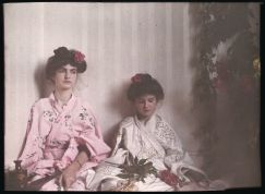 first-color-photos-vintage-old-autochrome-lumiere-auguste-louis-15