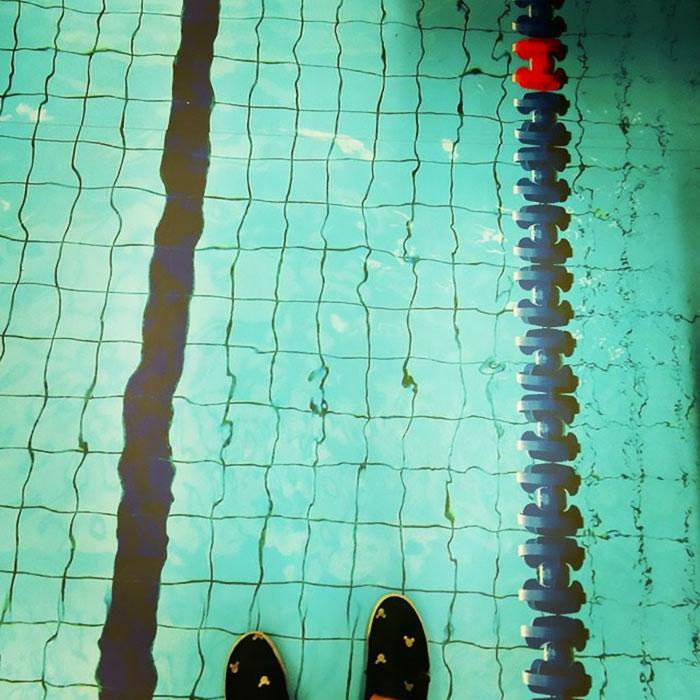 ¿Cómo que una piscina en el suelo de unvagón?