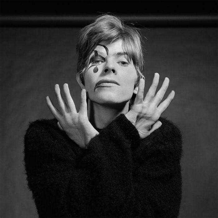 Bowie, hace 50 años, ya era Bowie.Genial.
