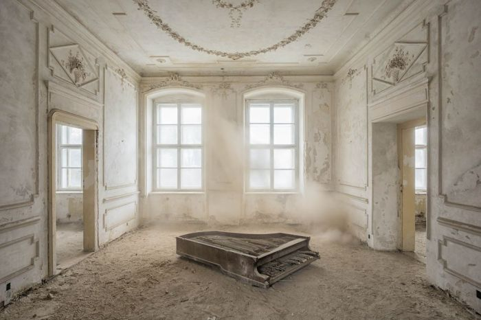Ver un piano abandonado, es sobrecogedor. Es raro. Esintenso…