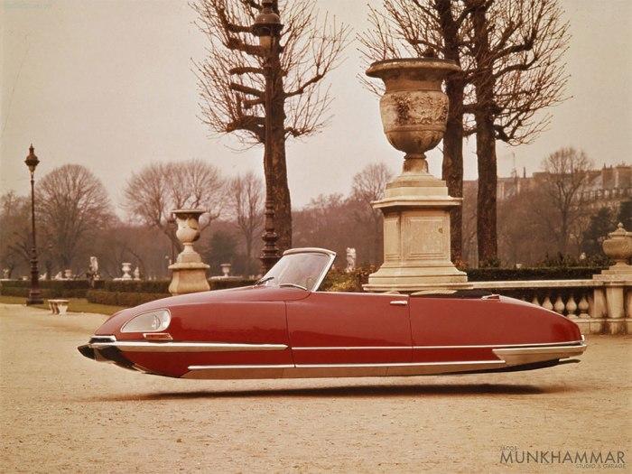 Usar Photoshop (para convertir clásicos de la Citroën en coches voladores) sí quemola…
