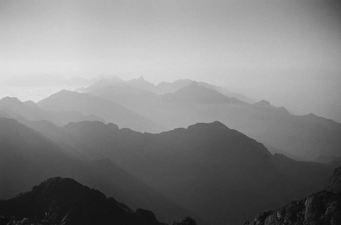 La extraordinaria pureza y el fascinante magnetismo de la fotografía en blanco ynegro