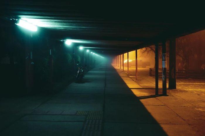 Los paisajes urbanos de Felipe OA, entre el surrealismo y el cyberpunk…